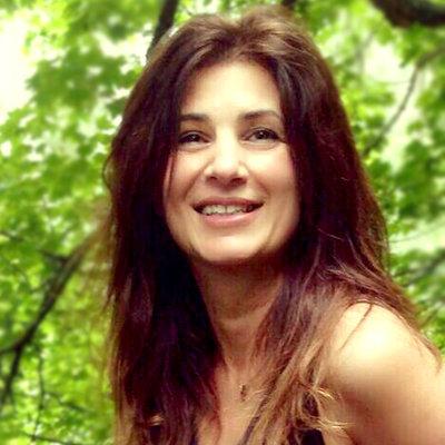 Adriana Hanganu