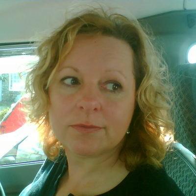 Lynne Lowes